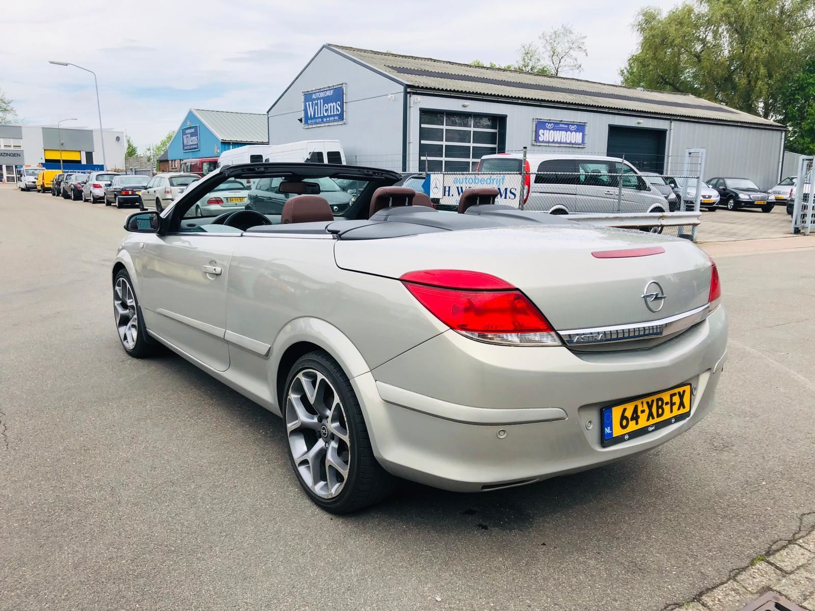 Opel Astra TwinTop occasion - De Waal Auto's