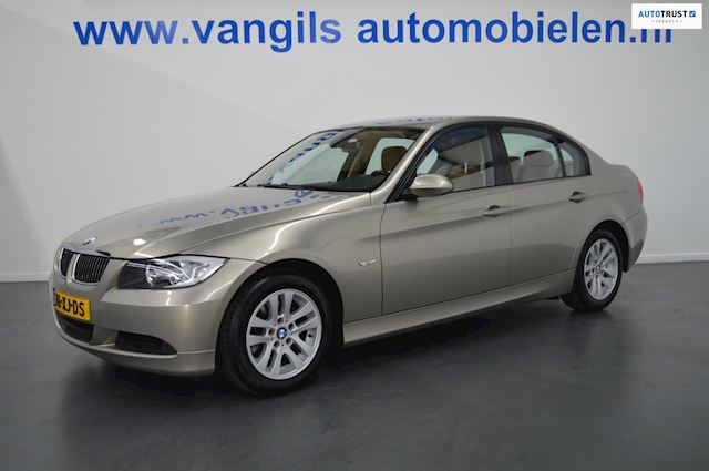 BMW 3-serie 318i Executive Leder