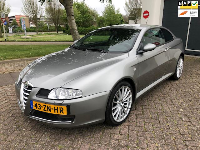 Alfa Romeo GT 2.0 JTS Imola Navi/Leder/Stoelverwarming/Climate-C/Cruise-C/Parkeersensor/Nap/Lmv