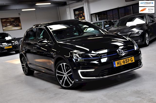 Volkswagen Golf 1.4 TSI GTE Panorama Lane-assist Parkeer-assist Leder Led Navi VOL