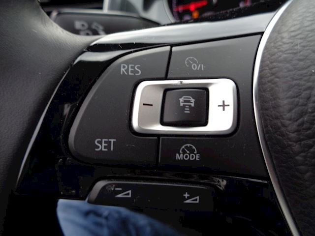 Volkswagen Golf 1.0 TSI Comfortline Navi Clima Radar 5632 KM!
