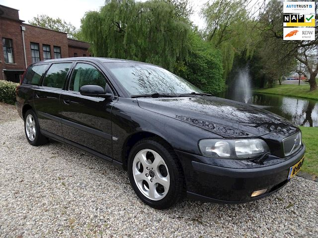 Volvo V70 2.4 D5 Geartronic Comfort Line *apk:07-2019* LEER/airco/cruise