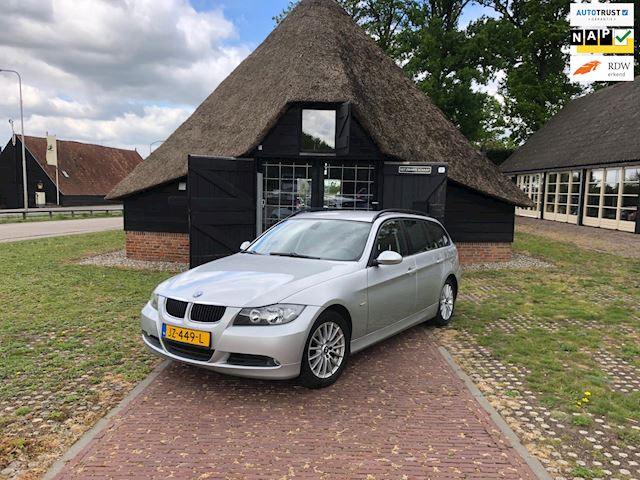 BMW 3-serie Touring 320d Executive in nette Staat!