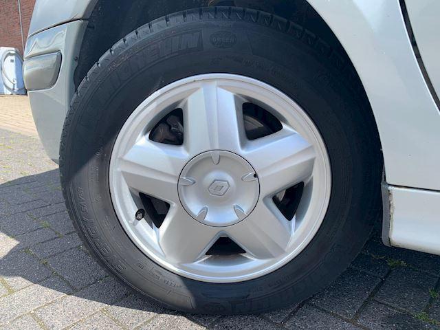 Renault Scénic 2.0-16V Expression NETTE AUTO,AUTOMAAT,CLIMA, APK TOT 2020!!