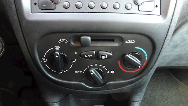 Peugeot 206 1.6-16V Gentry Airco, Automaat, trekhaak, nap