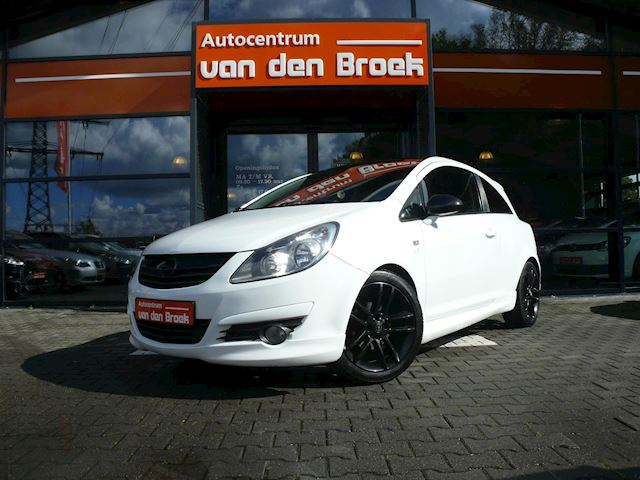 "Opel Corsa 1.2-16V Cosmo OPC-LINE Leder Airco 17"" Private Glas Achterspoiler Apk"