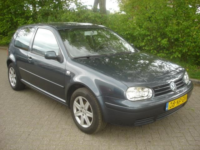 Volkswagen Golf 1.6 I 16V airco - cruise  Distributie defect