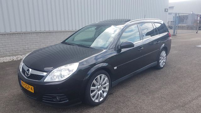 Opel Vectra Wagon 2.2-16V Executive