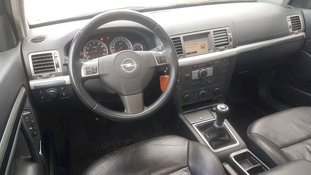 Opel Vectra Wagon 2.2-16V Executive