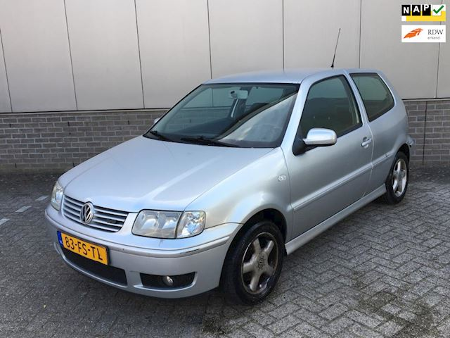 Volkswagen Polo 1.4-16V Highline