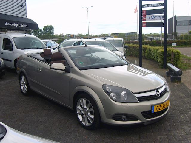 Opel Astra TwinTop 1.8 Cosmo airco cruise leder PDC