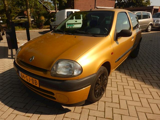 Renault Clio 1.2 Zeer nette clio 1.2-Lage Km.stand 111.304km!