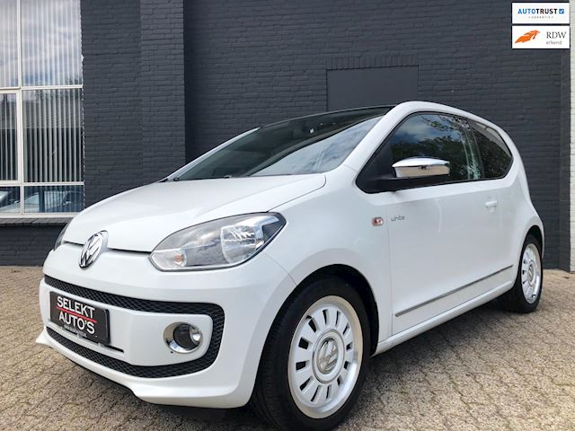 Volkswagen Up! 1.0 high up! White Panoramadak/Navigatie/Bluetooth/Airco/Leder/LM Velgen/Apk 05-2020
