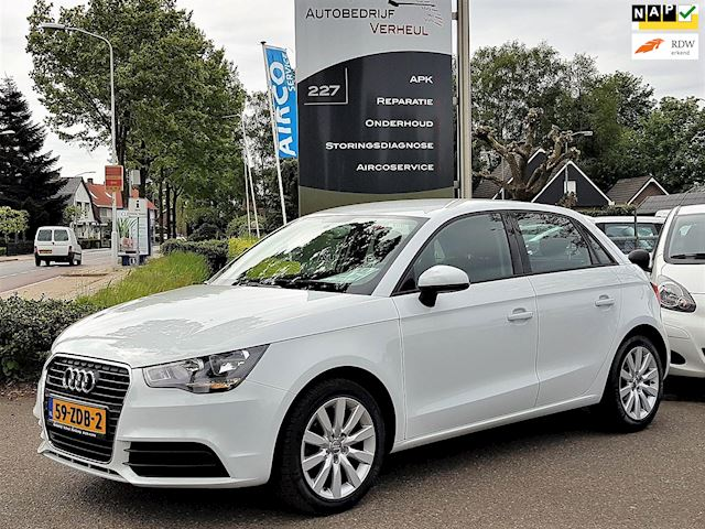Audi A1 Sportback 1.2 TFSI Attraction Pro Line Business Navi Airco Cruise Nap Boekjes 5-Drs