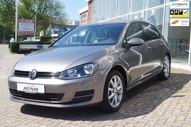 Volkswagen Golf 1.2 TSI Highline BlueMotion  DSG Navi Pdc
