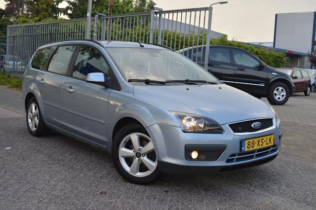 Ford Focus Wagon 1.8-16V Ambiente Flexifuel bj07 airco navi trekhaak