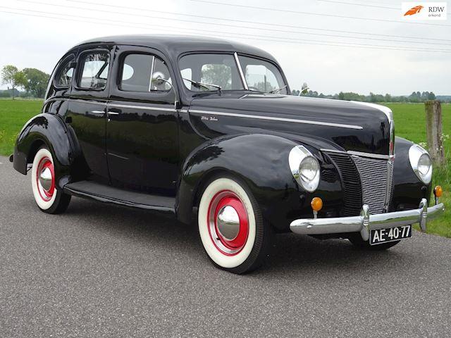 Ford DE LUXE V8