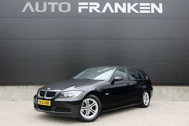 BMW 3-serie Touring 318i Navigatie Clima Cruise PDC
