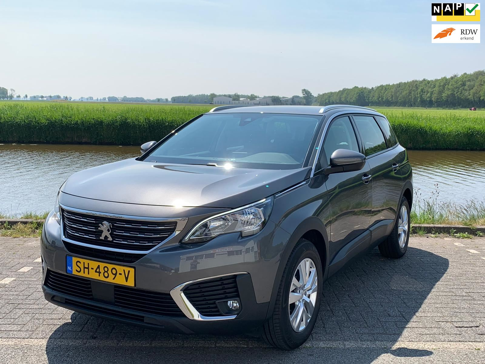 Peugeot 5008 1.2 PureTech Blue Lease Executive 7 zits occasion - Autocentrum Flevoland