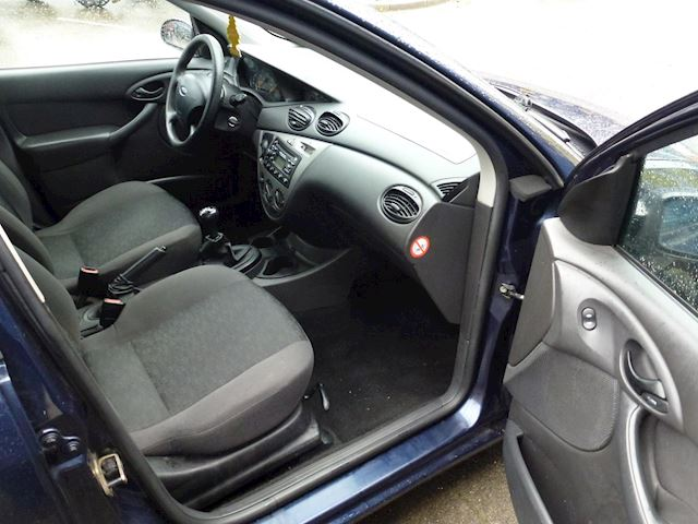 Ford Focus Wagon 1.6-16V Cool Edition Apk/Airco/Nap/Cd/Boekjes/Trekhaak/Elektrisch/Centraal