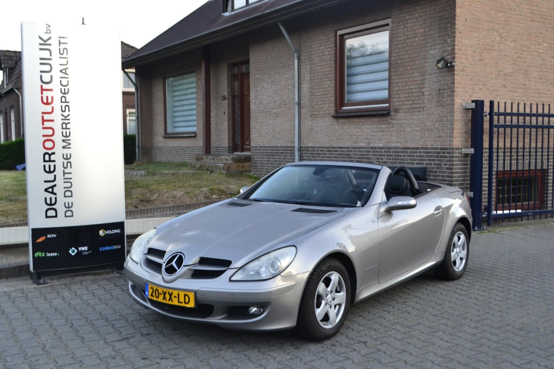 Mercedes-Benz SLK-klasse occasion - Dealer Outlet Cuijk b.v.