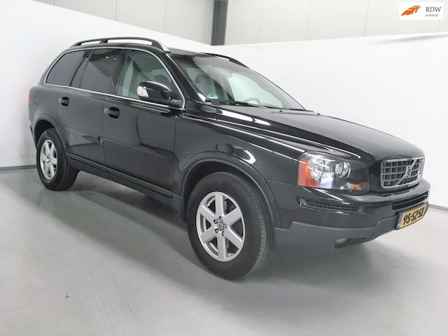 Volvo XC90 2.4 D5 Momentum / Automaat / 7 pers.