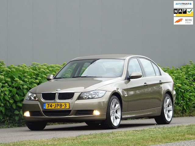 BMW 3-serie 318i High Executive _@ Leer Clima Velgen