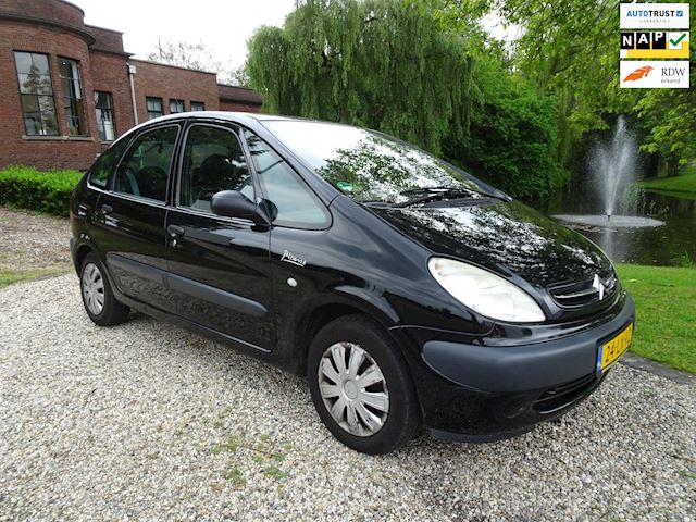 Citroen Xsara Picasso 2.0i-16V Différence AUTOMAAT airco/cruise *apk:04-2020*