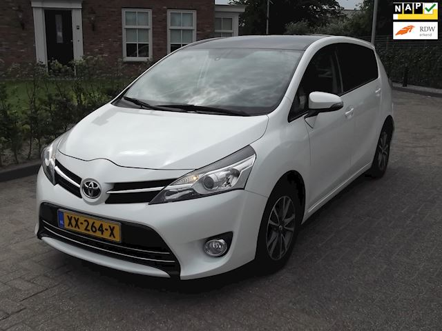 Toyota Verso 1.6 D-4D Business Panoramadak en incl BTW