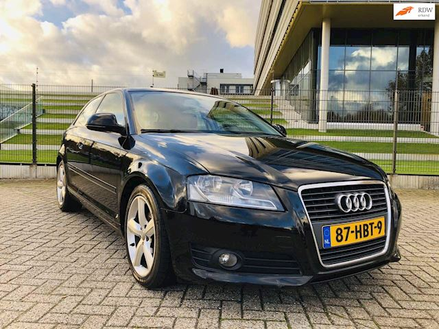 Audi A3 2.0 TDI Attraction Business Edition 185 PK!Facelift,6bak