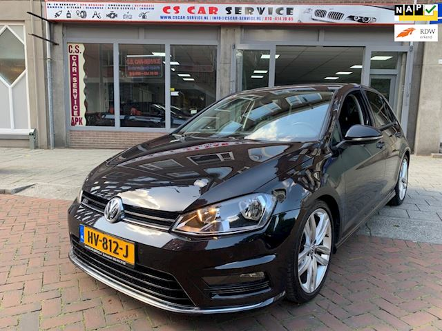 Volkswagen Golf 1.2 TSI Business Edition R Connected Massage Camera