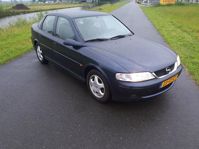 Opel Vectra 1.8-16V Business Edition MET APK TOT EIND 2019 !! ( AIRCO)