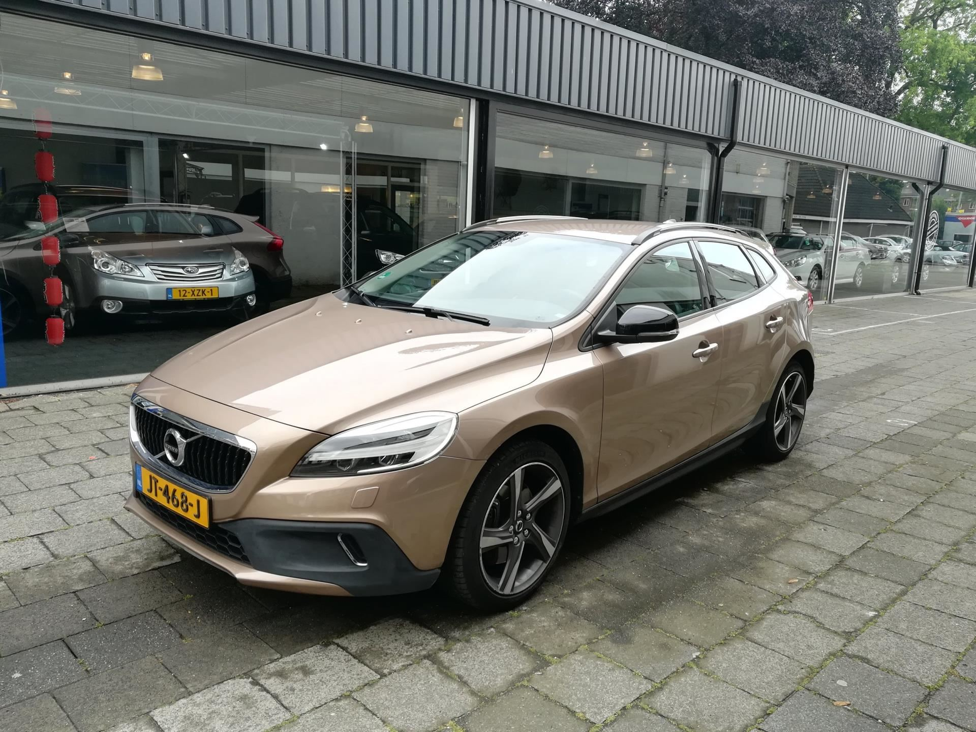 Volvo V40 Cross Country 20 T3 Nordic Dealer Oh Navi
