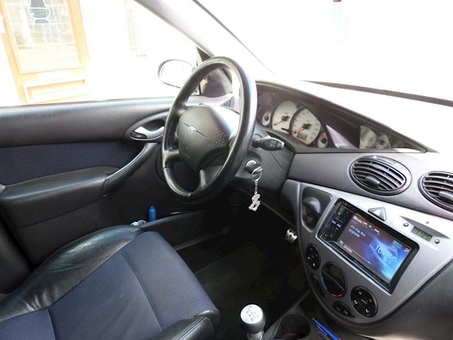 Ford Focus 2.0-16V ST170