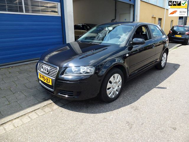 Audi A3 1.6 Attraction Apk/Airco/Cruise/Nap/Cd/Boekjes/AUX/Elektrisch/Centraal
