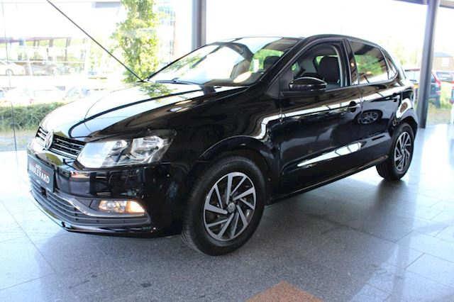 Volkswagen Polo 1.2 TSI Comfortline Connected Series DSG, stoelverwarming, 5DRS, APK tot 8/2020, airco.