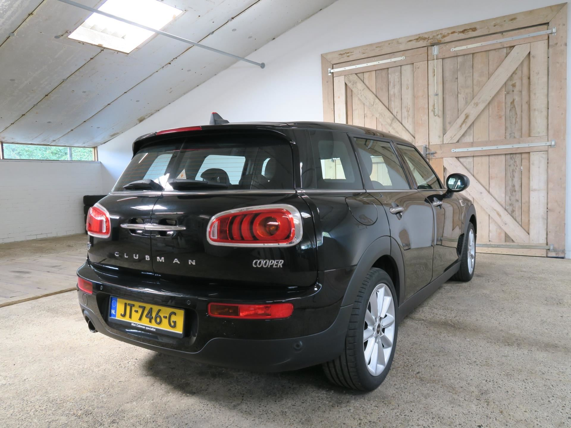 Mini Clubman 1.5 Cooper Navi Bluetooth Fulloption occasion - CherokeeLand.nl