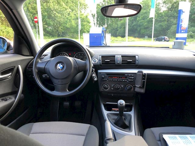 BMW 1-serie 116i Business Line Airco/Cruise-Control/PDC/Trekhaak/Nap/Apk/Lmv/Cv/Cd