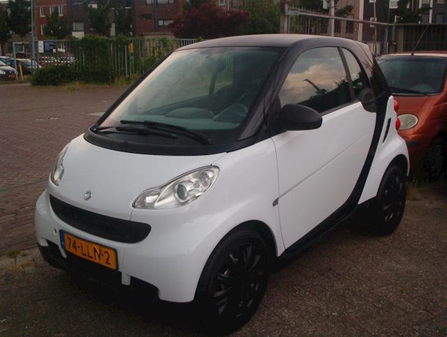 Smart Fortwo coupé 0.8 CDI Pure 170dkm