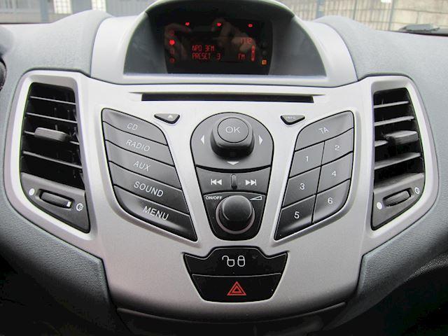 Ford Fiesta 1.25 S-Edition ST SPOILER 16 INCH LMV PRIVACY DISTR. VERVANGEN!!