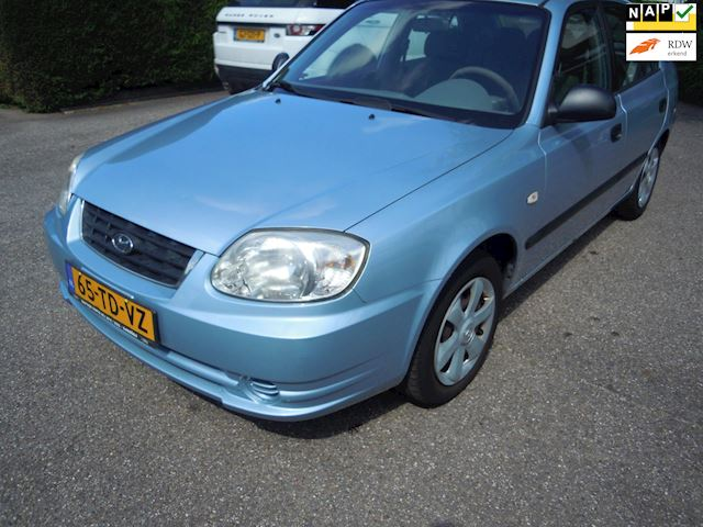 Hyundai Accent 1.3i Active Young