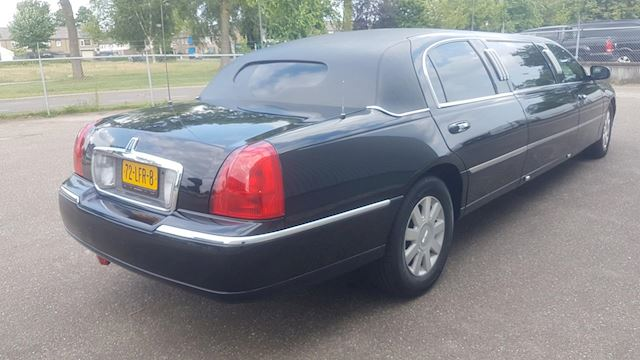 Lincoln TOWN CAR Limo M-2003