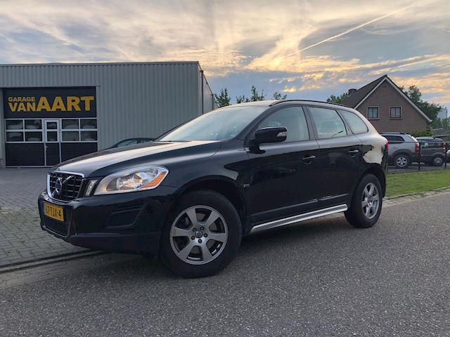 Volvo XC60 2.0 D3 FWD Kinetic /PDC/NAVI/CRUISE/