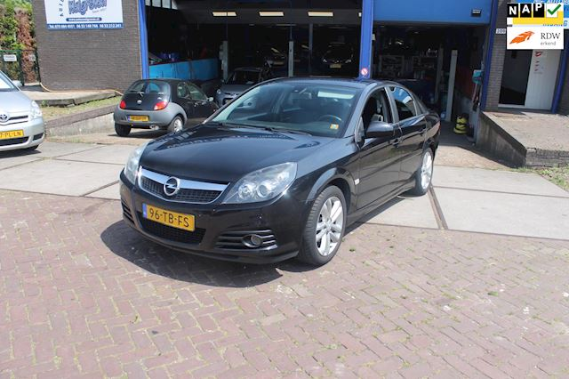 Opel Vectra GTS 2.2-16V Executive automaat