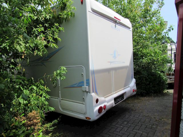 Rimor Trimarano 69P airco integraal QueensBed bj2011
