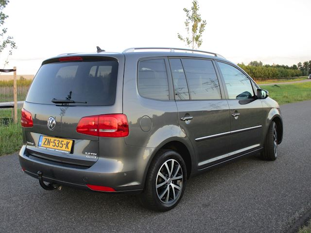 Volkswagen Touran 2.0 TDI Highline BlueMotion 7p. ECC/Navi/Camera/PDC/6bak