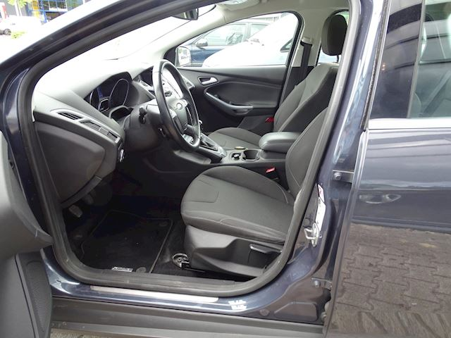 Ford Focus Wagon 1.6 TDCI ECOnetic Lease Titanium NAVI TREKHAAK