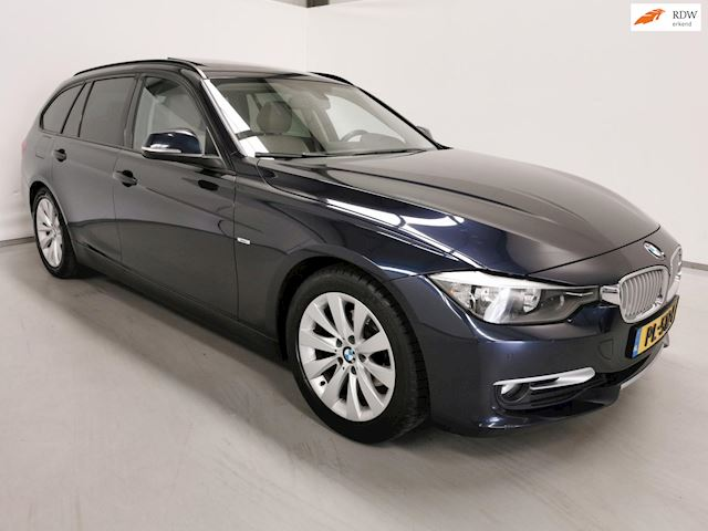 BMW 3-serie Touring 318d High Executive / Navi / Panoramadak / Leder