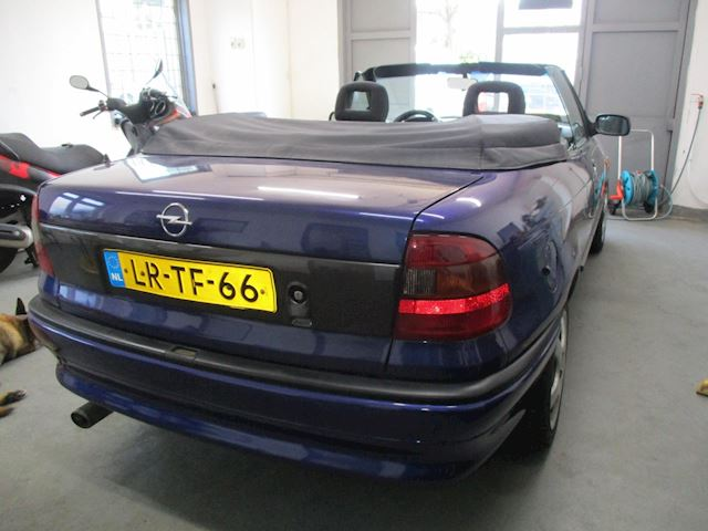 Opel Astra Cabriolet 1.6i Comfort AUTOMAAT