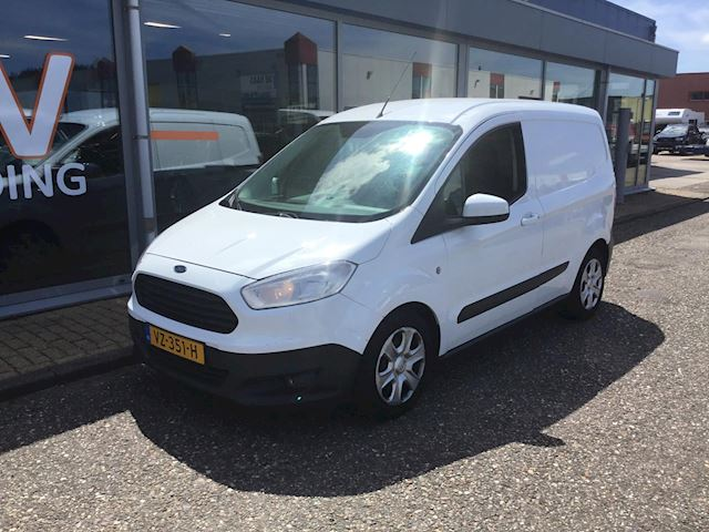 Ford Transit Courier occasion - DV Trading